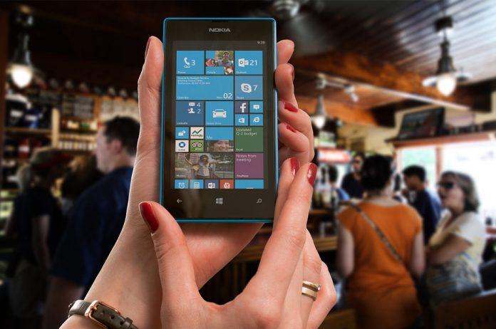 El diseño web móvil es la tendencia, la revolución del diseño actual porque el futuro apunta a una generación de teléfonos aún más inteligentes