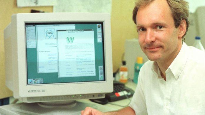 Tim Berners-Lee, desarrollador de la primera página web